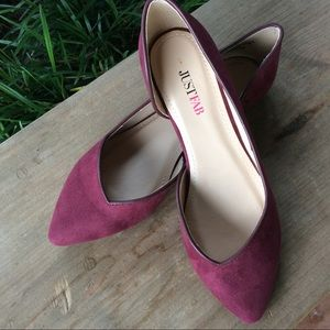 Just Fab pointed toe sueded burgundy flats size 6